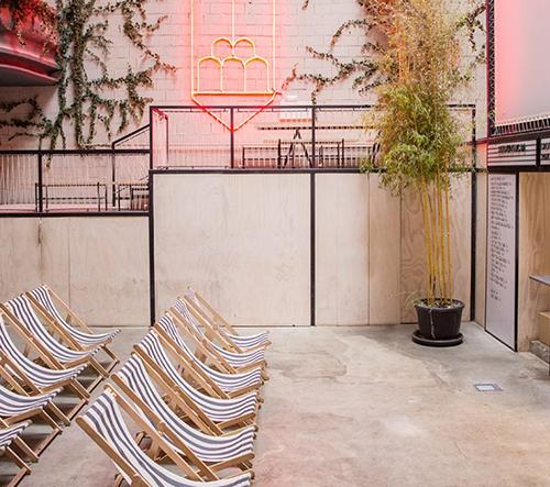 Plantea Estudio proměnilo opuštěné kino v Madridu v opravdový skvost