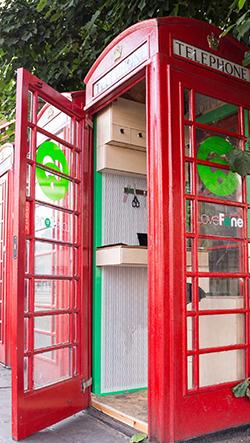 Studio Lovefone mení britské telefonní budky