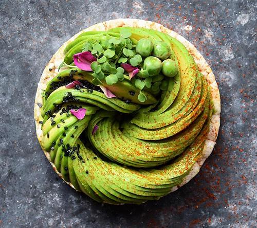 Bloggerka pretváří jídla z avokáda v umění