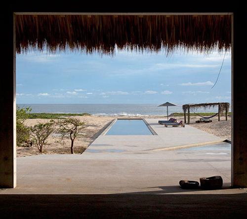 Tadao Ando navrhl na pobřeží Mexika půvabnou vilu Casa Wabi