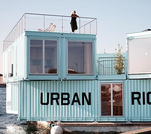 BIG navrhli z kontejnerů plovoucí studentské bydlení