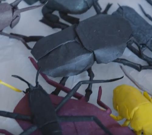 Fyzik z NASA změnil zaměstnání a stal se origami umělcem