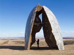 Ensemble Studio vztyčilo  skulptury v krajině Montany jako součást Tippet Rise Art Centra
