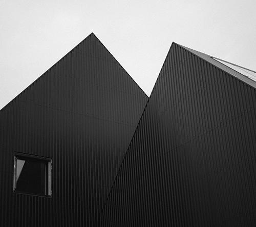 Kim Høltermand nafotil minimalistické černobíle fotky známé dánské školky v Kodani