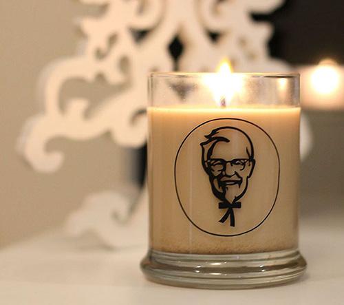 KFC přišlo s kontroverzní svíčkou s vůní smaženého kuřete