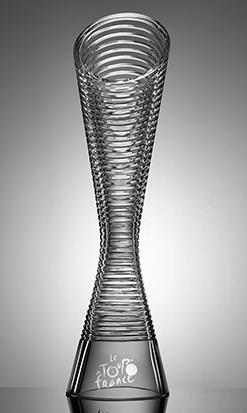 Škoda a Lasvit vyrobili trofeje vítězům Tour de France