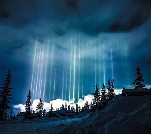 Kanadský fotograf zachytil vzácný fenomén slunečního sloupu
