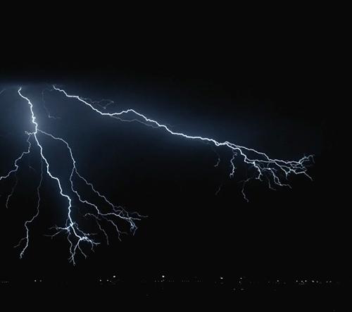 Tenhle krátký film ukazuje krásu blesků