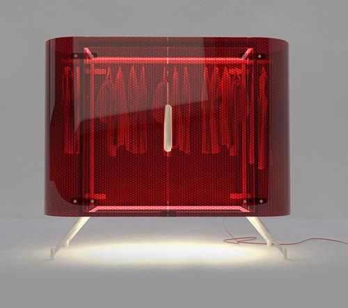Alex Schulz dodává skříním netradičné osvětlení